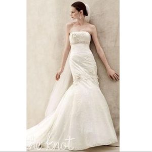 Oleg Cassini Wedding Dress in Ivory with Veil